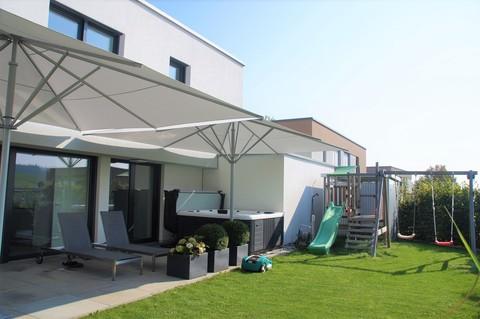 Außen Bauhausvilla-Design trifft Familie!