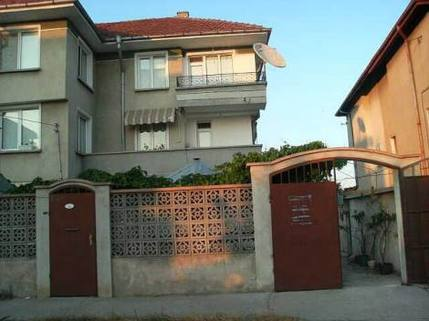 N13410004_mvc-001f.jpg Haus in Acheloy mit Schwimmbecken