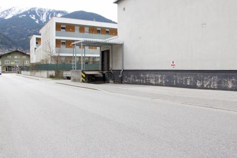IMG_ExYello_cmyk_20180410_14 (Large) Verkaufs- und Ausstellungsflächen in Schwaz