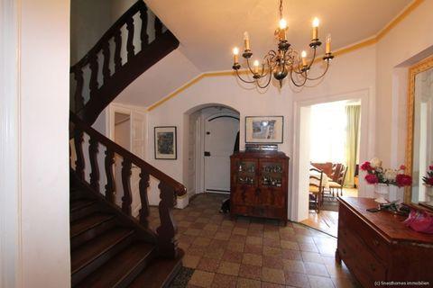 Diele/Treppenhaus Absolute Rarität-Charmante denkmalgeschützte Villa in schöner Lage am Westufer des Starnberger Sees
