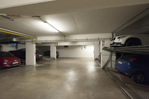 Tiefgarage Moderne und helle Gewerbefläche in Pasing