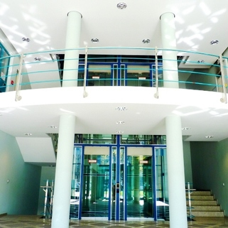 Eingangsbereich Büros für Groß und Klein