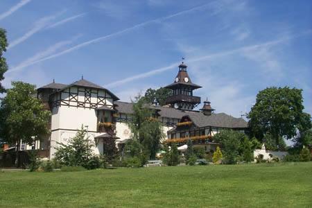 N1430452_mvc-001f.jpg Luxuriöses Schlosshotel - Sanatorium ---  - billig