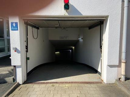 TG-Einfahrt_offen Günstige TG-Stellplätze (1-2 Stück) in Bogenhausen in kleiner Wohnanlage