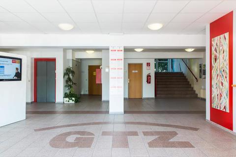 FoyerEG1 Provisionsfrei für Mieter, günstige Miete, kostenlose Parkplätze, Top 31