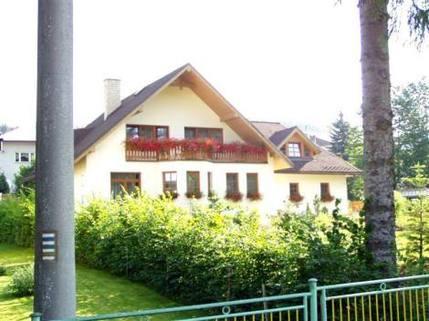 PCZ0037_mvc-001f.jpg Schönes Haus in Beskiden in der Nähe bei Talsperre