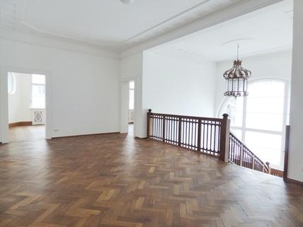 Galerie STOCK - PROVISIONSFREI - Herrschaftliche Altbauvilla in Bestlage