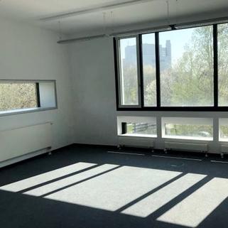 Innen6 Büros mit Transparenz und Blick in begrünte Innenhöfe