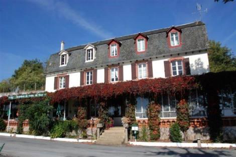 PF4193_mvc-001f.jpg Gasthaus mit Innen-Swimmingpool, aussergewöhnlicher Standort