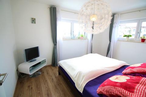 Elternschlafzimmer mit angrenzender Ankleide Neuwertige DHH mit sehr gutem Energiestandard