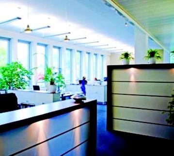 Innenansicht 2 STOCK - PROVISIONSFREI - Lichtblick für Ihr Business!