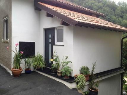 PI0317_mvc-001f.jpg Renoviertes 3-Zimmer-Einfamilienhaus. Monaco 55 min