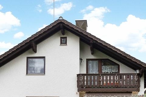 Balkon Küche WALSER: Seltene Gelegenheit: Außergewöhnliche 3-Zimmer-Dachgeschoß-Wohnung im Zweifamilienhaus