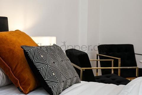 Bild 5 FLATHOPPER.de - Exklusive, perfekt geschnittene 1-Zimmer-Wohnung im sanierten Altbau - Berlin Charl