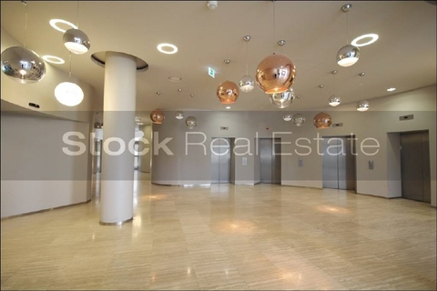 Foyer STOCK - Attraktive Flächen im Arabellapark