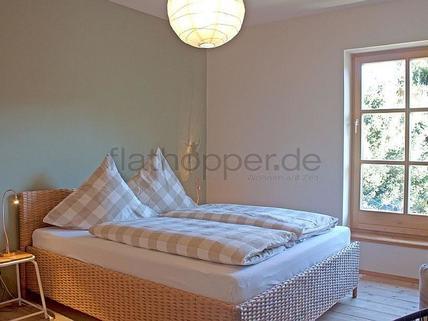 Bild 8 FLATHOPPER.de - Hochwertige 4-Zimmer-Wohnung im denkmalgeschützem Haus in Grassau bei Chiemsee