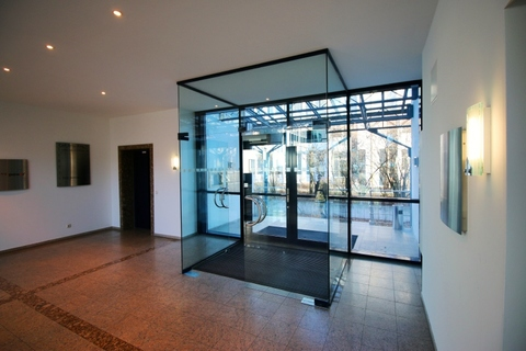 Treppenhaus STOCK - PROVISIONSFREI - Schöne, neuwertige Büros in Ismaning