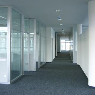 Flur STOCK - Ismanings hochwertigstes Bürogebäude