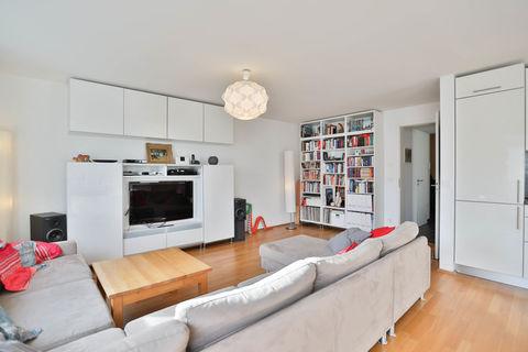 Wohnbereich **Helle und moderne 3 - Zimmer - Wohnung mit sonnigem Balkon zum Wohlfühlen**