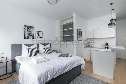 Bild 2 FLATHOPPER.de - Hochwertige 1-Zimmer-Wohnung mit Balkon in Berlin-Kreuzberg