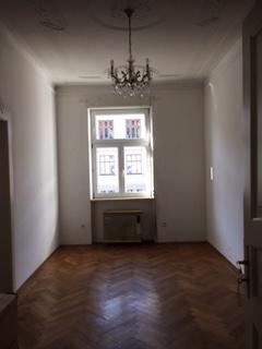 Zimmer Maxvorstadt/zu Verkaufen: Altbau 3 Zimmer Whg. mit Balkon und Lift