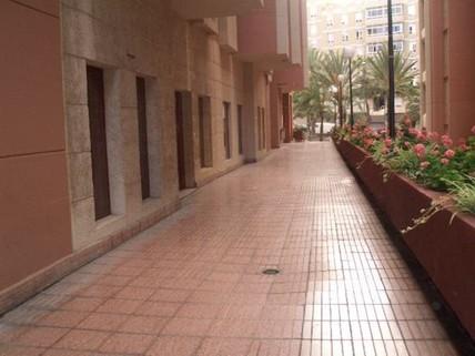 N44080199_mvc-001f.jpg Set von Räumlichkeiten in der Avenida de Escaleritas.