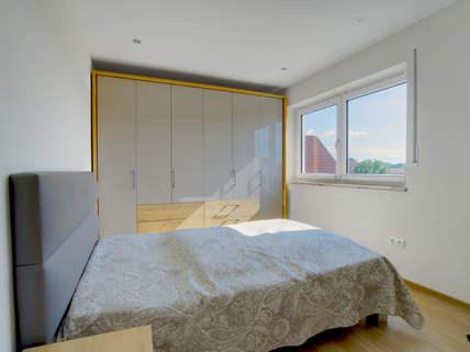 Schlafzimmer Barrierefreie, neuwertige DHH in Pentling