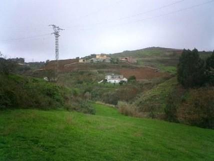 N44080011_mvc-001f.jpg Rustikales Grundstück mit 9.000 Quadratmeter Bauernhaus.