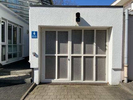 TG-Einfahrt_elektronisches_Tor Günstige TG-Stellplätze (1-2 Stück) in Bogenhausen in kleiner Wohnanlage