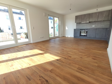 Beispiel Wohnen Erstbezug: 3-Zi-Wohnung 1. OG, Balkon + exkl. Marken-Einbauküche!