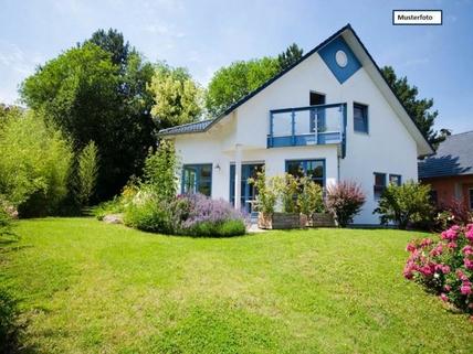 Einfamilienhaus_Rückansicht_1_Musterfoto Einfamilienhaus in 51570 Windeck, Wasserburg