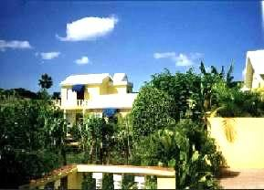 PDOM0010_mvc-001f.jpg Hotel mit Restarurant, beliebt bei Individualreisenden