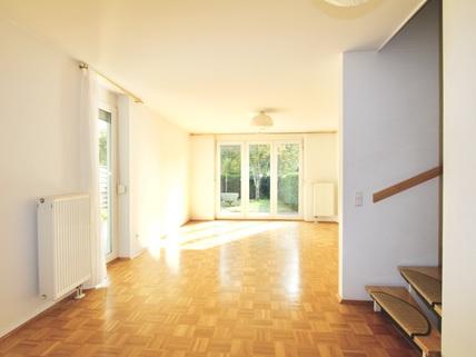 Wohnzimmer Familienfreundliches, großzügiges Reihenmittelhaus in schöner, ruhiger Lage Ottobrunn/Riemerling