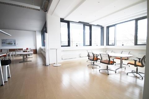 Büro STOCK - zeitlose Büros im Osten