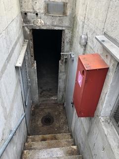 Treppe - eigener Eingang Unterhaching - Lagerraum ca. 70 m² mit eigenem Eingang