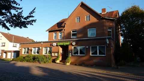 Frontansicht Hotel mit Gaststätte in Rethem Aller!