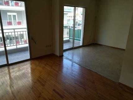 PGR0236_mvc-001f.jpg 3 Zimmer Wohnung in einem Mehrfamilienhaus