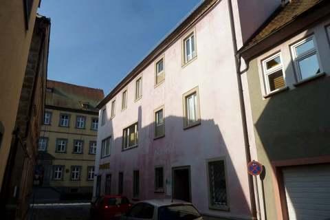 Ostseite mit Zugang zur Praxis Helle Praxis- od. Büroräume im Zentrum, 290m² Nutzfl. über 2 Etagen, Dachterrasse, ab 1.1.2022 frei!
