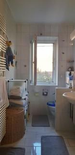 Badezimmer Top Lage    4 Zimmer Altbauwohnung mit Charme