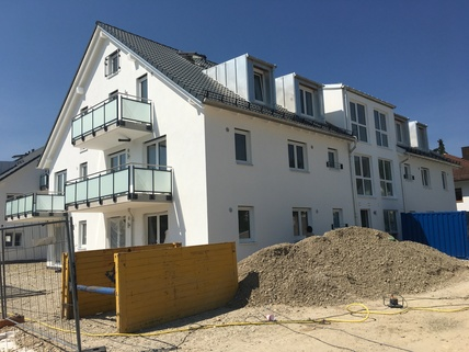 Haus B Erstbezug: 3-Zi-Wohnung 1. OG, Balkon + exkl. Marken-Einbauküche!