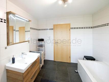 Bild 5 FLATHOPPER.de - Hochwertige 2-Zimmer-Wohnung mit Südbalkon und Bergpanoramablick- Egling