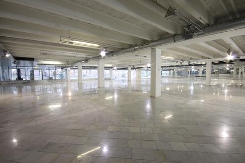 Schauraum Große Verkaufs- und Ausstellungsfläche im mittleren Zillertal