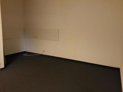 Küche und Lagerraum Ausstellungsfläche/Büro/Schauraum im BIZ Wels