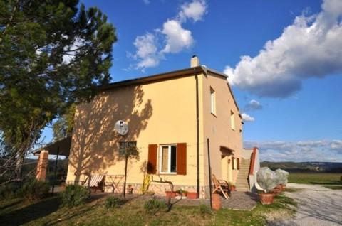 N60550064_mvc-001f.jpg Wein- und Olivenölfarm Toskana