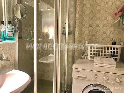 Gepflegte, gemütlich möblierte 3,5 Zimmer Split-Level Wohnung mit zwei Balkonen in Unterschleißheim