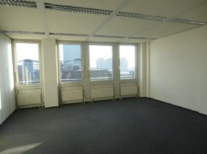 Innenansicht STOCK - Bürofläche in der Nähe zum OEZ
