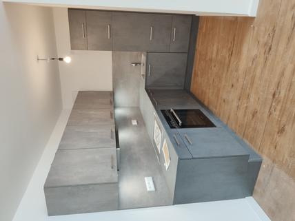 Einbauküche Erstbezug: 1,5-Zi-Wohnung 1. OG, Balkon + Marken-Einbauküche!