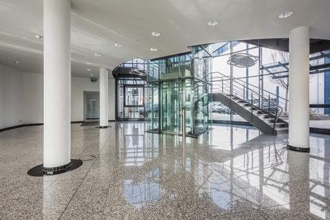 Eingang STOCK - Herzlich Wilkommen an Board in Ihren neuen Büros