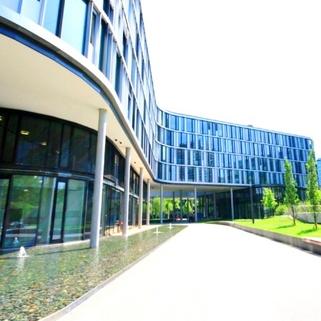 Außen2 Formvollendete Büros in elegantem Neubau
