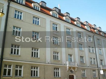 Fassade_prot STOCK - herrschaftlicher Altbau in Bogenhausen
